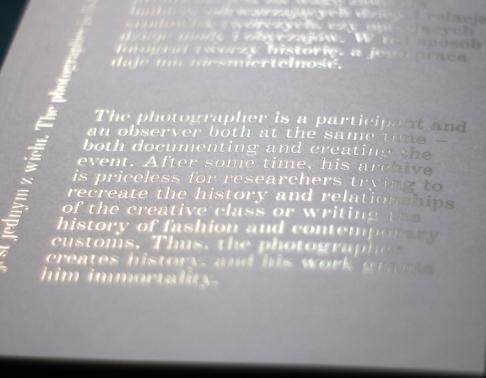 Katalog wystawy fotograficznej. Drukarnia Efekt - druk książek Warszawa.